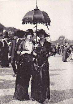 Parisians, 1910.