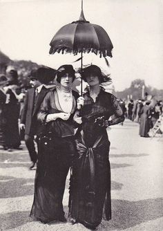 Parisians, 1910. S)