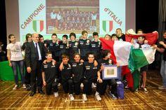 Festa sul palco per la Pallavolo Padova under 14 maschile campione d'Italia