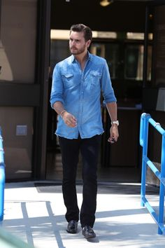 Scott Disick has a good sense of style! Love it!