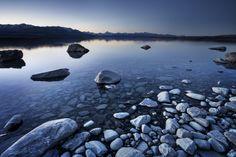 Lake Pukaki reflecting Mount Cook, New Zealand Beautiful World, Beautiful Places, Beautiful Pictures, Amazing Places, Landscape Photography, Nature Photography, Travel Photography, Mount Cook, Picture Places