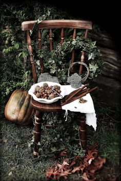 Hedgewitch maiden mother crone witchcraft, magick и witch Mabon, Samhain, Wiccan, Magick, Witch Cottage, Hedge Witch, Witch Aesthetic, Nature Aesthetic, Kitchen Witch