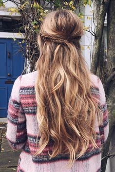 Fishtail Half Updo Hairstyle <3 Watch the tutorial for this look here…