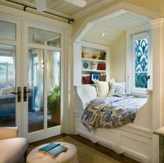 Alcoves like this make me feel I can escape even in small spaces, though I'd probably want more cushions.