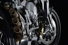 We might question the wisdom of building a stroked-out 798cc version of the three-cylinder MV Agusta Brutale 675, but we cannot disagree with the fact that the machine is a sight to behold. Fitted with higher-spec suspension and components, along with the MVICS electronics package, MV Agusta hopes that the Brutale 800 will be the feature-rich alternative to the more affordable naked bike, which is the Brutale 675. However you want to make the distinction between the two models, it is another…