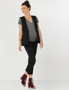 This look is so stylish-- proof that maternity clothes don't have to be matronly!
