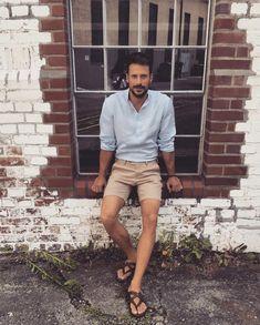 Men Sandals, Leather Sandals, Barefoot Men, Mens Flip Flops, Male Feet, Mode Masculine, Summer Wear, Summer Looks, Men's Clothing