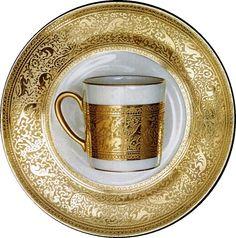 """#MarcoCostantini, tazzina da caffè in #ceramica decoro """"Incisa oro Zecchino"""". Marco Costantini, #ceramic coffee #cup decoration """"Engraved gold Zecchino""""."""