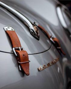 Logo, symbol, trademark and united kingdom HD photo by Valdemaras Januška ( on Unsplash Porsche 356 Speedster, Porsche 550, Porsche Cars, Ferrari Car, Porsche Classic, Classic Cars, Vintage Porsche, Vintage Cars, Automobile