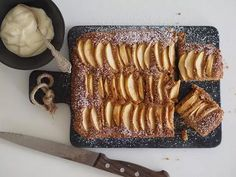 Sikke Sumarin suussa sulava omenakakku. Food N, Food And Drink, Bakewell Tart, Non Alcoholic Drinks, Sweet And Salty, Something Sweet, Dairy Free Recipes, Cooking Recipes, Sweets