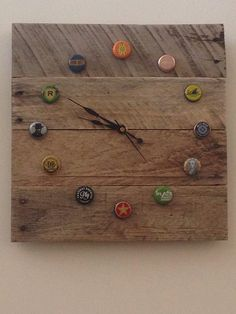 Wood pallet bottle cap clock by BensPalletworks on Etsy, $35.00