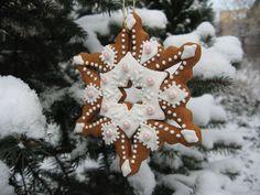 Moha Konyha mézesei Christmas Time, Christmas Ornaments, Cookie Decorating, Gingerbread Cookies, Decorated Cookies, Holiday Decor, Home Decor, Xmas Ornaments, Gingerbread Cupcakes