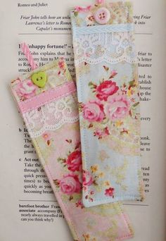 Set of two beautiful bookmarks made with shabby chic style fabrics and decorated with lace,ribbons and buttons. Each bookmark is filled with two teaspoons of English lavender and measure 5 by cms. Diy Bookmarks, How To Make Bookmarks, Sewing Crafts, Sewing Projects, Craft Projects, Homemade Gifts, Diy Gifts, Tela Shabby Chic, Book Markers