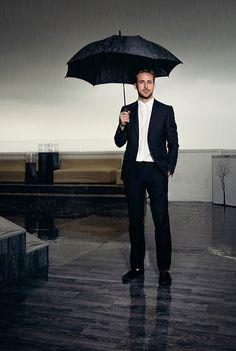 Ryan Gosling photographed by Audoin Desforges Beautiful Men, Beautiful People, Ryan Thomas, Culture Pop, Sweet Guys, Under My Umbrella, Dapper Gentleman, Glamour, Sharp Dressed Man
