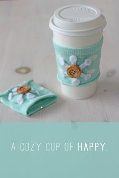 DIY: no-sew coffee cozy. I really want to make this for my soy lattes!! #DIY #craft #coffee