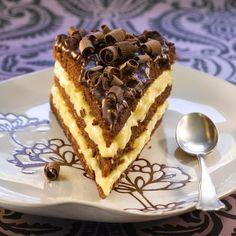 Dronningdrømkake Sweet Recipes, Cake Recipes, Dessert Recipes, Pudding Desserts, No Bake Desserts, Toffee Bars, Norwegian Food, Sweets Cake, Dessert Drinks