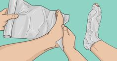 Aluminum foil is one of the products that can be found in any home. Here is how to treat bunions using aluminum foil very easily. How To Treat Bunions, Fatigue Symptoms, Image Skincare, Gout, Walking In Nature, Dental Health, Sciatica, Best Makeup Products, Lush Products