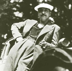 Rhythmic Horizons: Django Reinhardt - If Dreams Come True Jazz Artists, Jazz Musicians, Music Artists, Soul Music, Music Love, Joseph, Django Reinhardt, Gypsy Jazz, Musician Photography