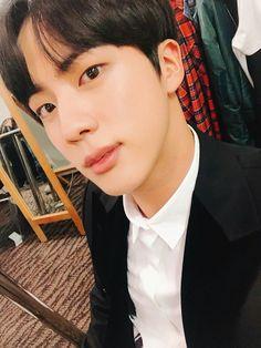 Twitter    Jin