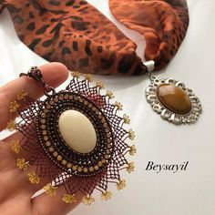 Fotoğraf açıklaması yok. Needlework, Diy And Crafts, Crochet Earrings, Fashion Beauty, Gemstone Rings, Bracelets, Necklaces, Pendant, Jewelry