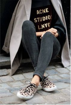 acne t-shirt + skinny jeans + trench coat