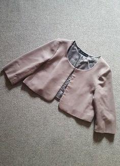 Įsigyk mano drabužį #Vinted http://www.vinted.lt/moteriski-drabuziai/svarkeliai-svarkeliai/22723270-zara-kakavinis-svarkelis-34-rankovemis