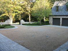 Cobblestone with crushed stone driveway Landscape Edging Stone, Landscape Design, Garden Design, Patio Design, Desert Landscape, Gravel Driveway, Driveway Landscaping, Gravel Patio, Landscaping Software