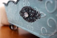 Thrift Store Tray Makeover at Ravenwould