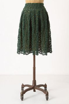 Gotta love lace! And I love the neutral color behind the green.