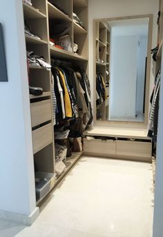 Walk in closet behind bed decor 61 Ideas for 2019 Bedroom Built In Wardrobe, Bedroom Built Ins, Closet Built Ins, Closet Bedroom, Master Bedroom, Ikea Bedroom, Girls Bedroom, Bedroom Ideas, Bedrooms