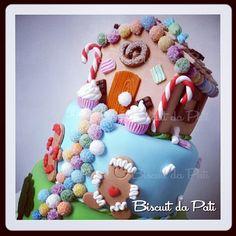 Agora eu fiquei doce, doce, doce... #joaoemaria #casinhadoce #contosdefada #gingerbread #fakecake #bolofalso #biscuitdapati #biscuit by Biscuit da Pati, via Flickr