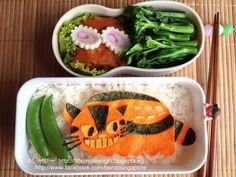 Twitter from @shirleyhkapa ネコバスのキャラ弁 Totoro Catbus Character Bento #obentoart #bento #totoro #catbus #kyaraben http://littlemissonigiri.blogspot.sg/2013/03/totoro-catbus-character-bento.html …