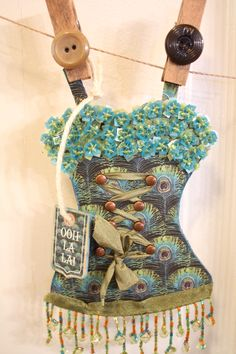 How to Make a Xyron/Graphic 45 Couture Corset Banner