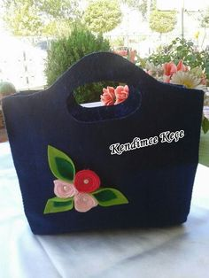 Kece canta Felt Bags, Felt Purse, Flower Patterns, Rainbow, Purses, Knitting, Handmade, Felt Pouch, Satin Ribbons