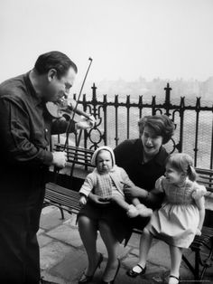 Violinist Isaac Stern and Entertaining Woman and Children Best Violinist, Spotify Playlist, Photo Memories, Photographic Prints, Entertaining, Actors, Couple Photos, Children, Composers