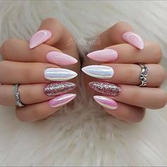 The trend of almond shape nails has been increasing in recent years. Many women who love nails like almond nail art designs. Almond shape nails are suitable for all colors and patterns. Almond nails can be designed to be very luxurious and fashionabl Hair And Nails, My Nails, Pink Nail Designs, Nails Design, Nail Glitter Design, Acrylic Nails Glitter, Baby Pink Nails Acrylic, Pretty Nail Designs, Glitter Paint
