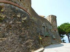 """""""Castello"""", Riomaggiore, Liguria Italia (Luglio) Riomaggiore, Italia"""