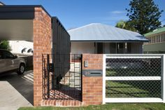 fences and gates Vernacular Architecture, Architecture Details, Dream Home Design, House Design, Brisbane Architects, Facade House, House Facades, Brick Fence, Queenslander