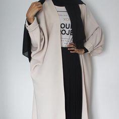 IG: Umayma.Abdul || Modern Abaya Fashion || IG: Beautiifulinblack