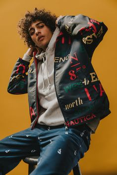 Urban Outfitters and Nautica Unveil Their New Collaborative Fall 2017 Campaign: Fronted by artist Trè Samuels and musical duo The Onyx Violins. Fashion Poses, Fashion Shoot, Editorial Fashion, Fashion Ideas, Urban Fashion Photography, Fashion Photography Inspiration, Grunge Photography, Film Photography, Photography Ideas