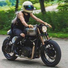Cafe Racer, Scrambler, Tracker and Custom Motorcycles Triumph Bonneville, Triumph Bikes, Triumph Motorcycles, Custom Motorcycles, Custom Bikes, Vintage Motorcycles, Triumph Cafe Racer, Cafe Racer Bikes, Cafe Racer Motorcycle