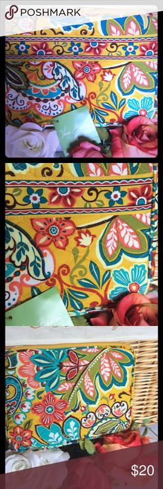 """VERA BRADLEY IPAD HOLDER NEW VERA BRADLEY COLORFUL FLOWER PATTERNED IPAD HOLDER. COLORS INCLUDE YELLOW , TURQUOISE, GREEN, RED, BROWN, AND WHITE. ZIP CLOSURE. 7"""" X 9"""" Vera Bradley Bags Laptop Bags"""