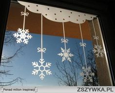 świąteczne dekoracje na okna - Szukaj w Google Christmas Window Decorations, Paper Decorations, Winter Christmas, Christmas Time, Art Activities For Kids, Window Stickers, Diy Weihnachten, Classroom Decor, Holiday Crafts