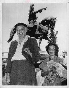 Eleanor Roosevelt in Athens Greece Kolokotronis Statue 1953 Press Photo | eBay