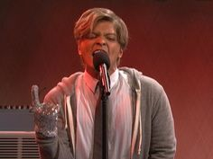 One of the best SNL skits in a long time. Bruno Mars does Justin Bieber, Katy Perry, Michael Jackson etc. on 'SNL'