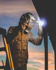 Robotic Welding Comes Of Age – Metal Welding Stick Welding Tips, Smaw Welding, Welding Gloves, Welding Crafts, Welding Ideas, Welding Machine, Welding For Beginners, Welding Services, History Of Welding