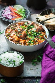 Restaurant Style Creamy Matar Paneer Recipe, a delicious vegetarian curry. Restaurant Style Creamy Matar Paneer is very popular in north India. This Restaurant Style Creamy Matar Paneer is made of using paneer cubes and green peas are simmered in spicy onion-tomato gravy.