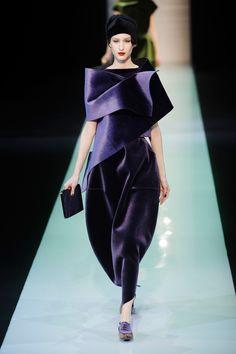 Fashion Show: Emporio Armani Fall/Winter 2013/14   1 часть