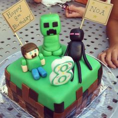 Planning a kids' party? How about a Minecraft-themed party? I've pulled together lots of fun ideas for Minecraft fans to help you plan the perfect event. Let's party! Minecraft Party, Minecraft Birthday Cake, Minecraft Cake, Minecraft Houses, Minecraft Creations, Wilton Butter Cake Recipe, Creeper Cake, Novelty Cakes, Cake Decorating Tips