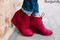These are the MUST HAVE wedges for Fall! Super comfortable with a 2 inch heel you feel like your wearing flats! COLORS: Black Hazelnut Burgundy Grey These have been running TRUE TO SIZE Made with a suede material. Fall Wedges, Fall Heels, Shoes Heels Wedges, Wedge Heels, Buckle Boots, Combat Boots, Plus Size Boots, Winter Boots, Fashion Shoes